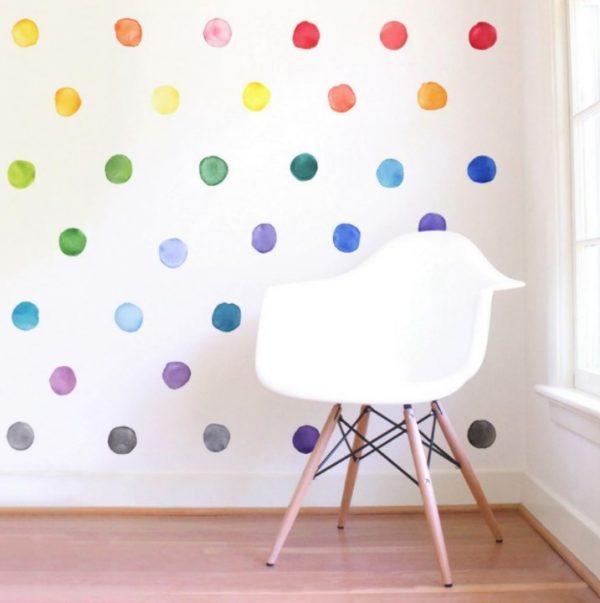 מדבקות קיר צבעוניות בצורת נקודות צבע מהממות