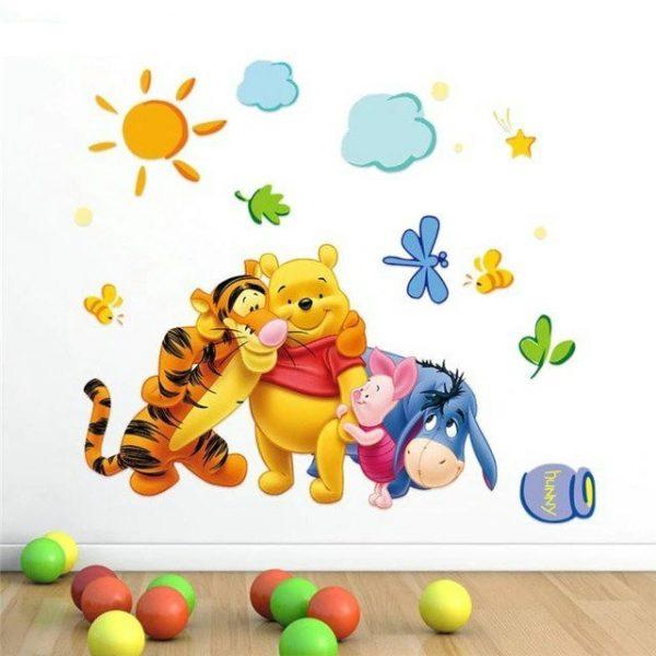 מדבקת קיר צבעוני של פו הדב וחבריו