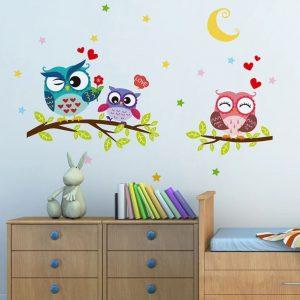 מדבקת קיר יפה לתינוקות