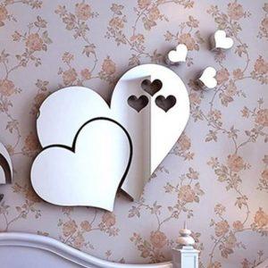 מדבקת קיר מראה בצורת לב