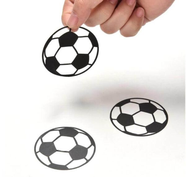מדבקות קיר כדורגל