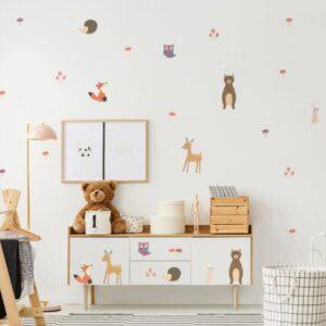 מדבקת קיר ילדים חיות היער האדום להדבקה בחדרי ילדים