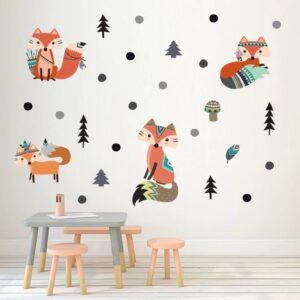 מדבקת קיר לחדר הילדים בצורת שועלים ועצים