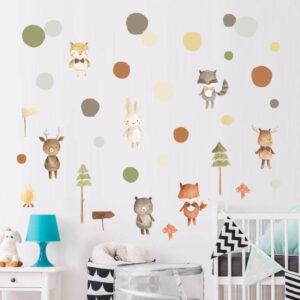 מדבקת קיר לעיצוב חדרי ילדים וילדות בעיצוב נורדי עם חיות יפהפיות